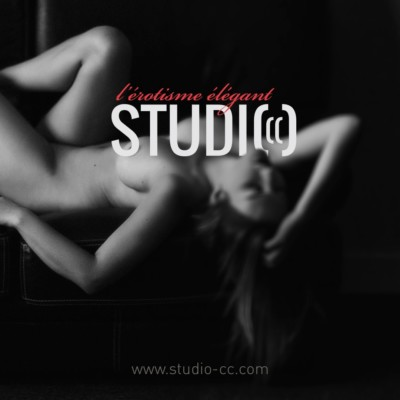 Photo érotique en studio