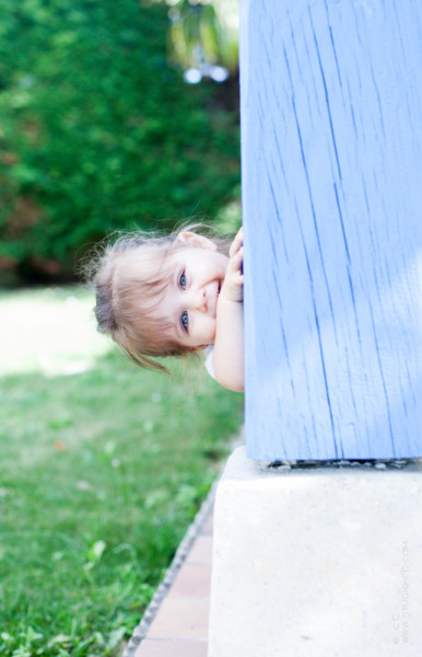 Photo fille de 2 ans en extérieur