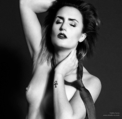topless-boudoir-seins-nus